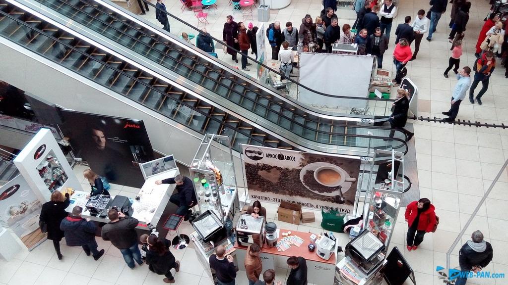 Кофейный праздник фото сверху, с парапета. Фото 5