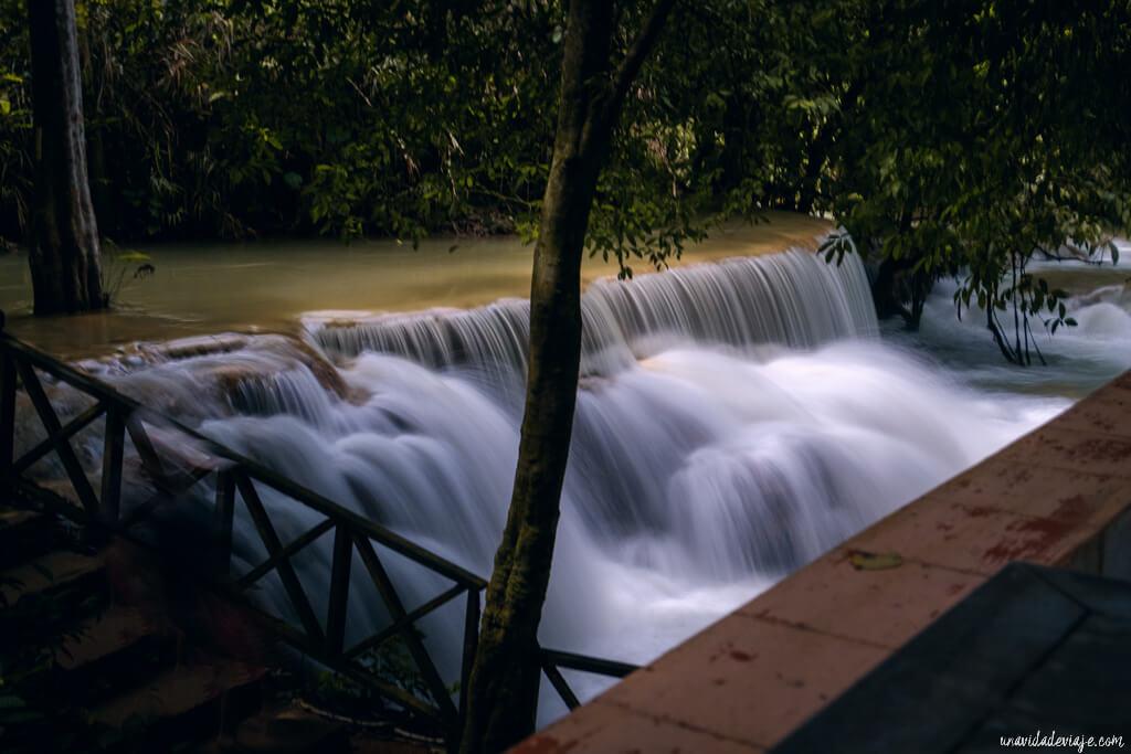 cataratas kuang si waterfalls luang prabang