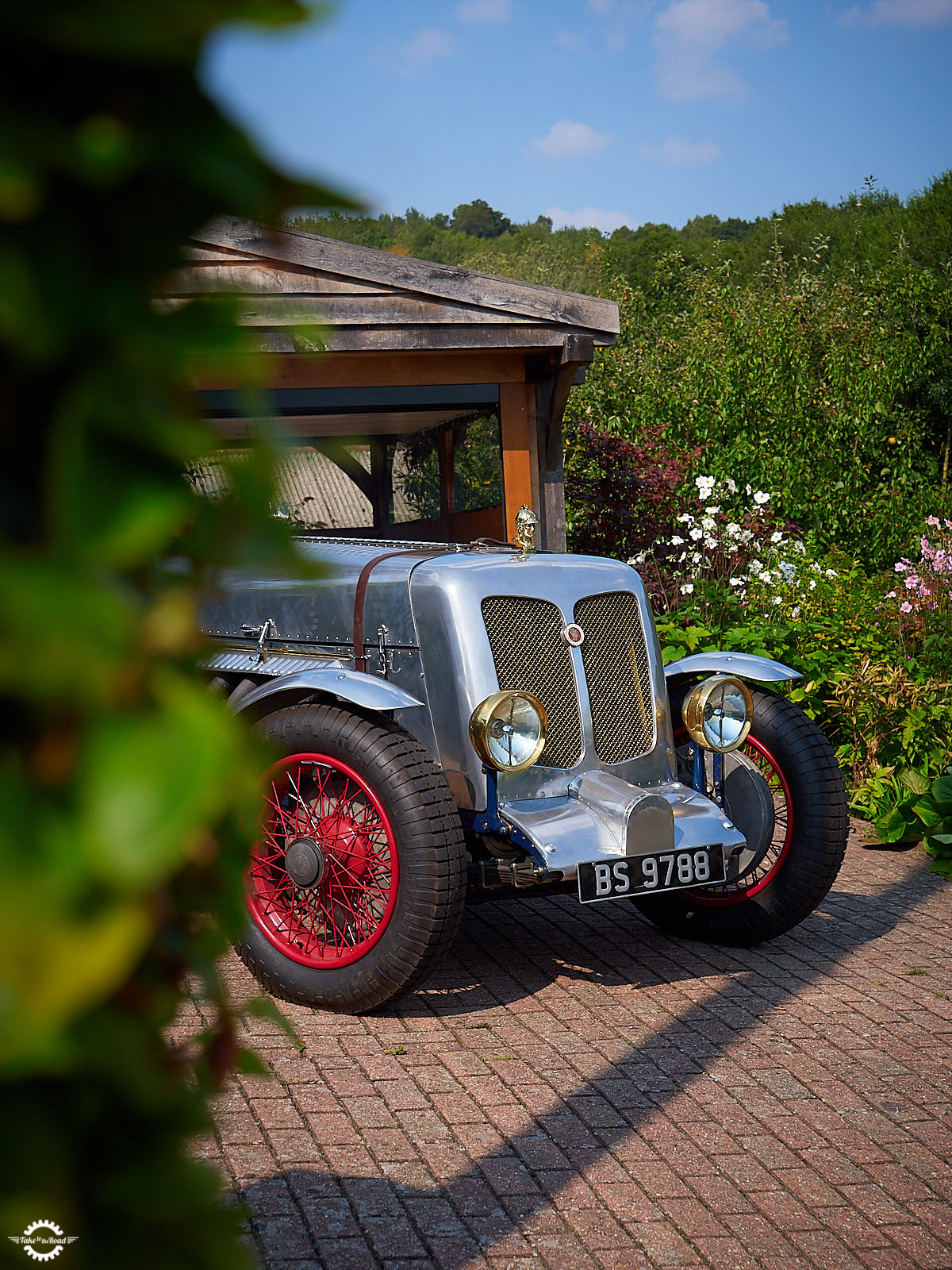 An afternoon with a 1924 Minerva Liberty Special 27 litre V12