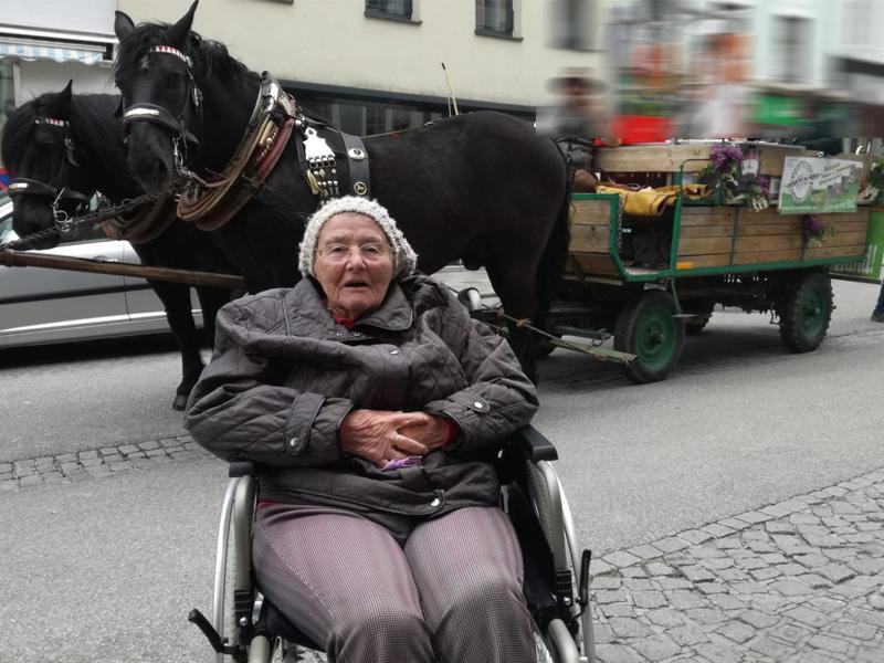 Beim Pferdemarkt in Ried Bild 2