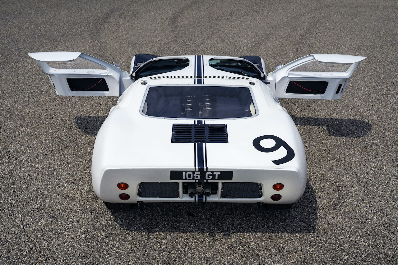 Ford GT Heritage Edition pays homage to 1964 GT prototypes