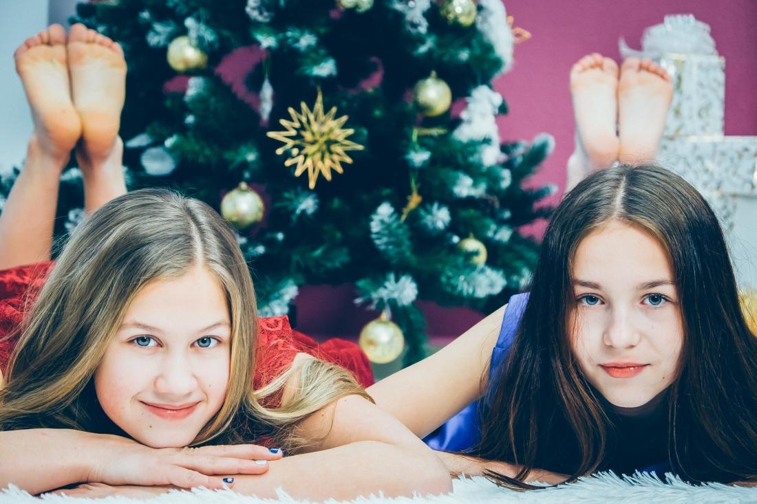 Даша и Оксана.