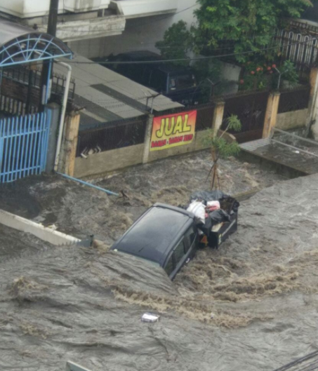 Guide to Indonesia - Bandung Flooded