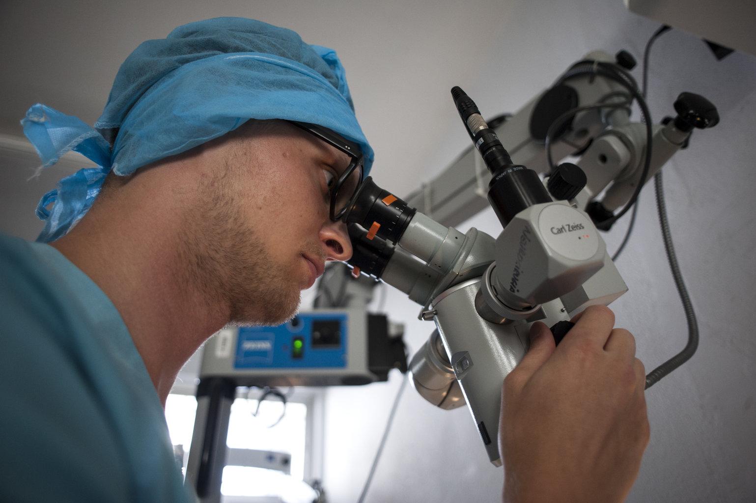 Curso de Inyecciones intravítreas, angiografía, fluoresceínica, y tomografía de coherencia óptica