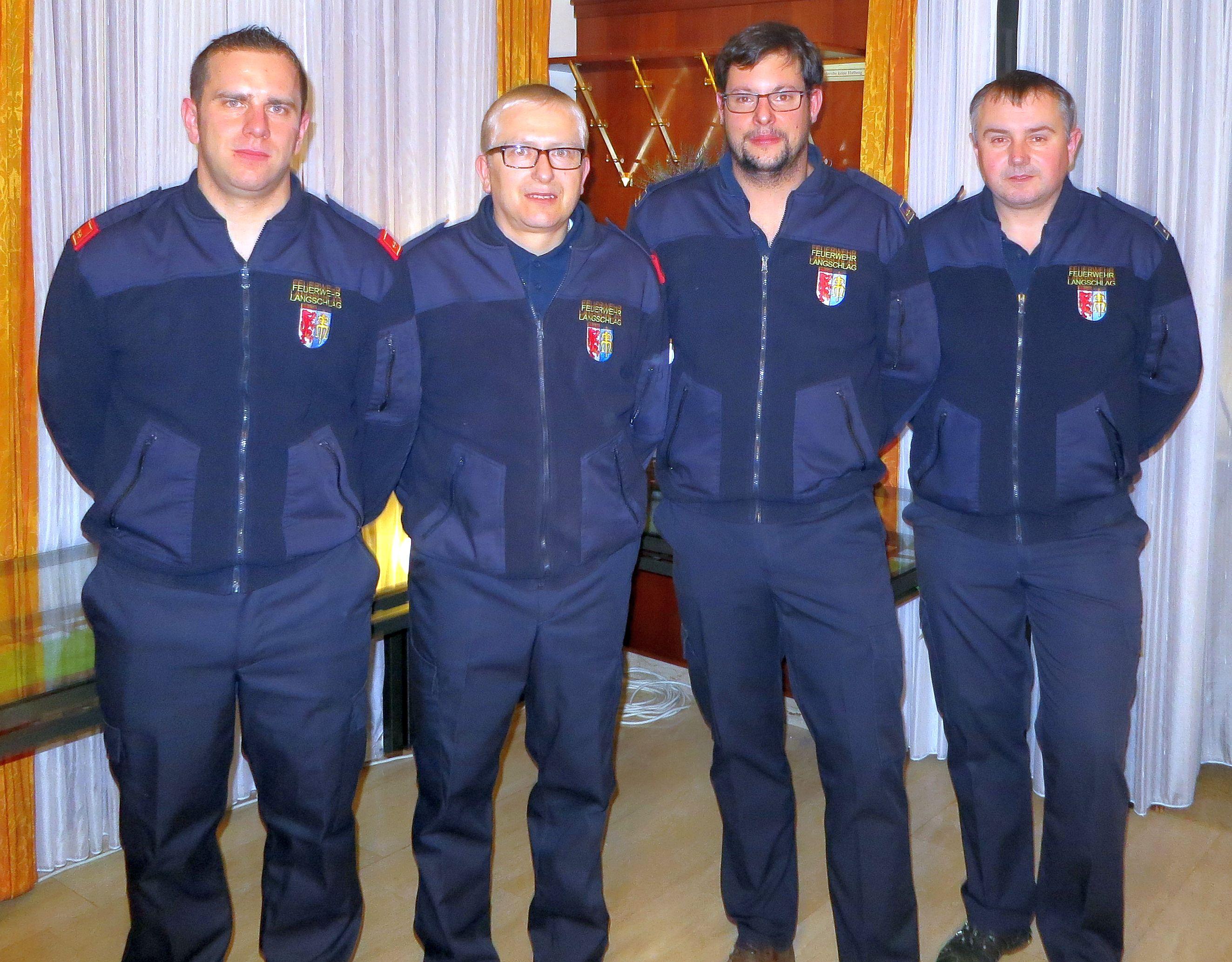 von links das neue Kommando mit StV OBI Eder Mario, Kdt. ABI Laister Sigmund, LdV OV Leopoldseder Markus, LdV Stv V Amon Reinhard