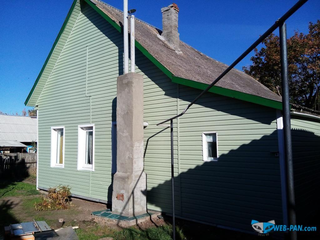 Вот так оформили сайдингом наш Домик в деревне. Скоро и крышу там сделаем новую!