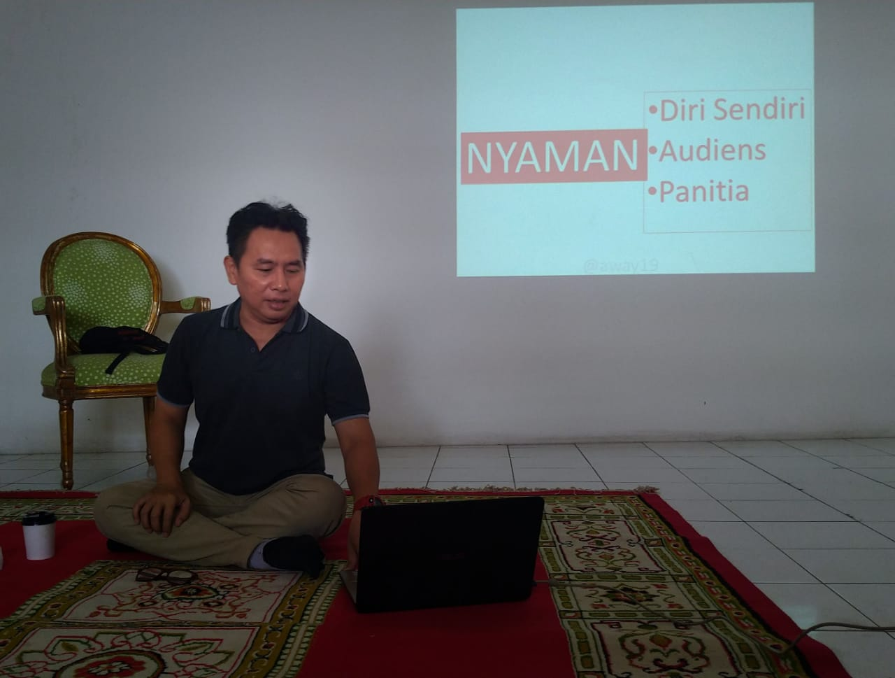 Tips Public Speaking di Training of Trainer Blogger Crony