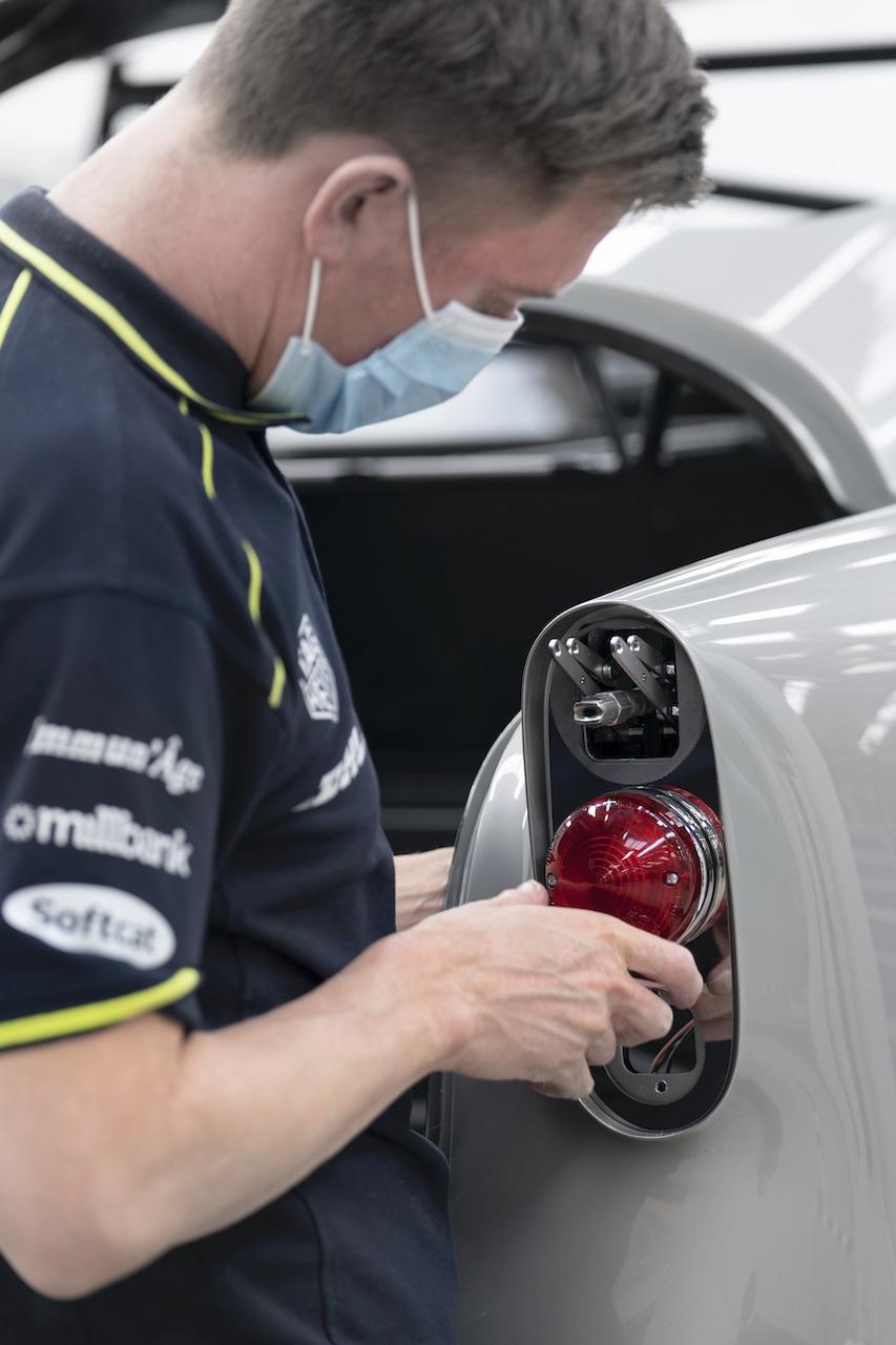 Aston Martin resumes production of DB5 James Bond cars